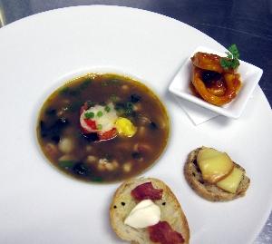 オマール海老とアワビのスープ