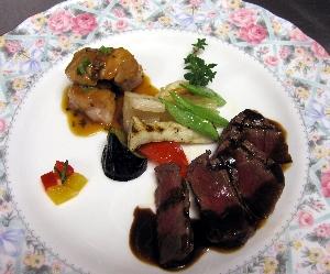 和牛フィレ肉と津軽鶏