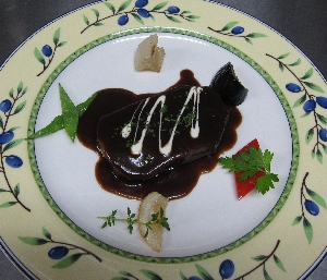 牛タンの赤ワインソース煮