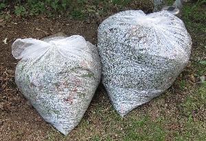 芝刈りのゴミ